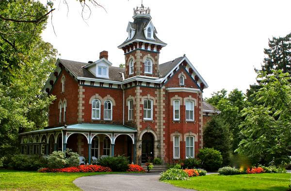Victoria Rose Inn