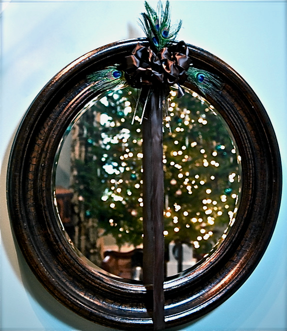 A Button Tufted Life Blog Peacock Inspired Decor at Setting for Four #Christmas #Holiday # Decor #Design #Wreath #Peacock #DIY