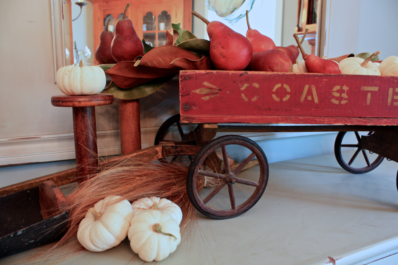 Pears and pumpkins for an easy Fall display cynthiaweber.com