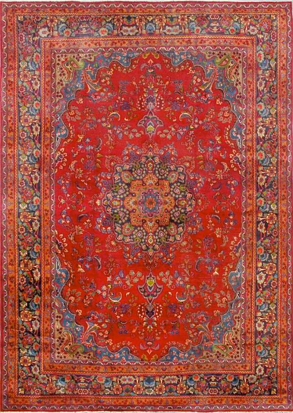 Vintage 10x13' rug… CynthiaWeber.com
