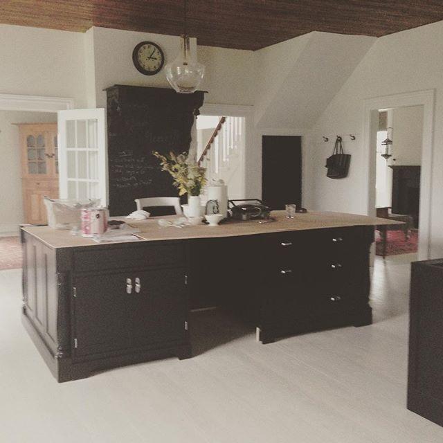 The kitchen renovation at BannockBurn 1878… Cynthiaweber.com