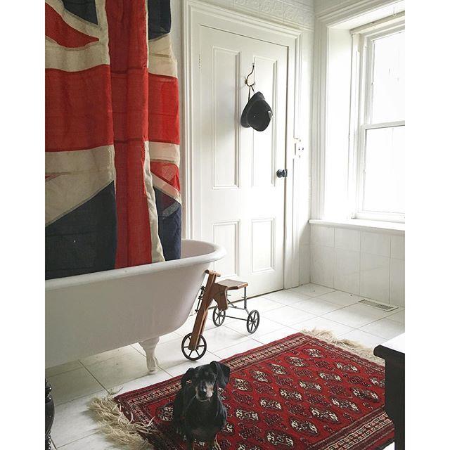 Fun and eclectic bathroom for BannockBurn 1878...